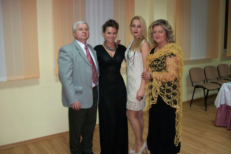 Su šeima – vyru Robertu bei dukromis Ugne ir Roberta./ Asmeninio archyvo nuotr.