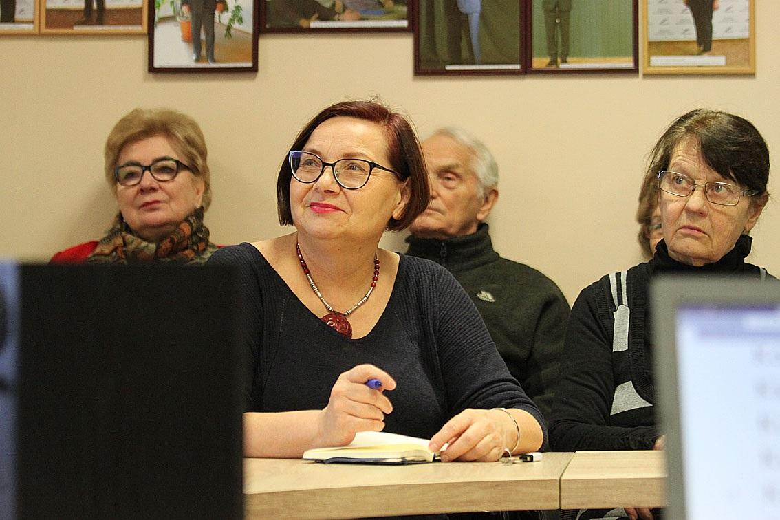 """""""Pagrindiniai mūsų tikslai – teikti Kėdainių miesto ir rajono senjorams ugdymo paslaugas, remti jų socialinę integraciją į visuomenę, skatinti ir palaikyti asmeninius siekius, galimybių realizavimą aktyviai dalyvaujant švietimo, kultūros, socialiniuose, politiniuose procesuose, skatinti kartų dialogą, bendradarbiauti su vyriausybinėmis, verslo ir nevyriausybinėmis organizacijomis"""", – teigia Senojo Kėdainių trečiojo amžiaus universiteto rektorė Gražina Jedemskienė. Asmeninio archyvo nuotr"""