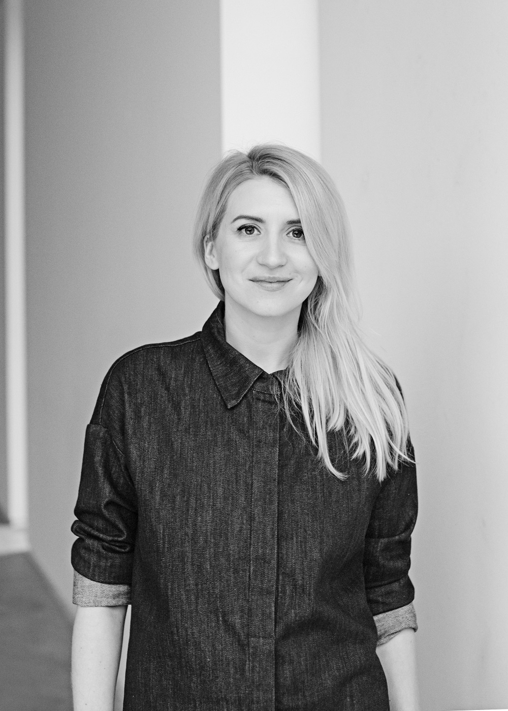 Sandra Yushka kuria minimalistinio stiliaus drabužius, įkvėptus tvarios mados idėjos. Kaip aiškina pati dizainerė, jos kuriami drabužiai yra skirti moterims, kurios kas dieną nori atrodyti stilingai, tačiau jaustis patogiai ir nevaržomai.