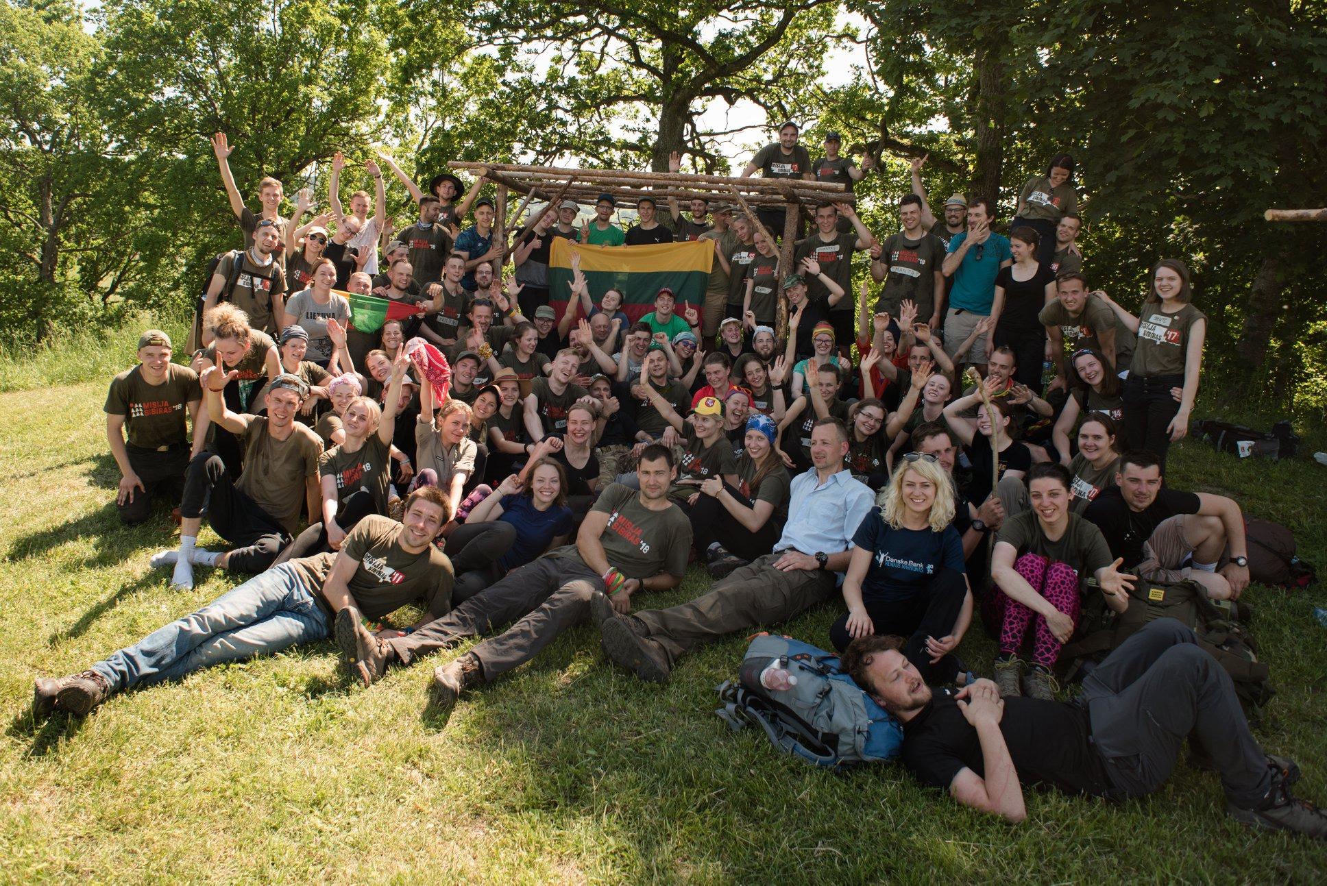 Bandomasis žygis – įveiktas! Tarp žygeivių – ir septyniolikmečiai, ir keturiasdešimtmečiai. Ir studentai, ir kariai savanoriai, ir medikai, ir ekonomistai. Juos vienija meilė Lietuvai.