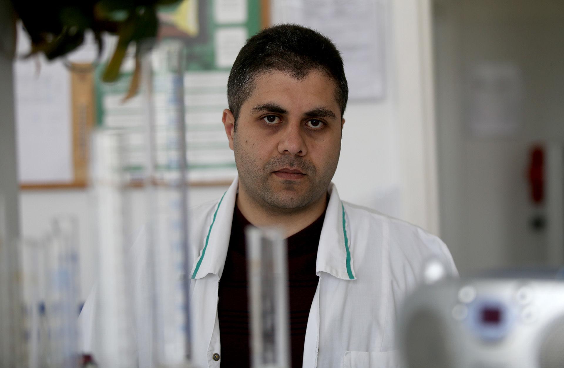 Su šeima Kėdainių rajone apsistojęs Mohammad Almogdad Sirijos Damasko universitete studijavo žemės ūkio inžineriją bei augalų apsaugą. / Algimanto Barzdžiaus nuotr.