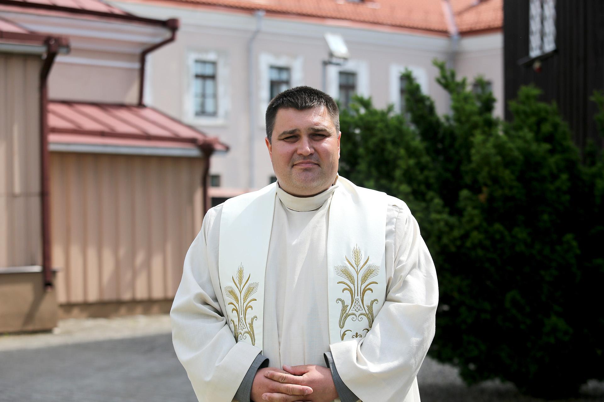 Pasak kunigo Norberto Martinkaus, didžiausia tikinčiųjų mažėjimo priežastis yra ta, kad žmonėms vis sunkiau atpažinti tikrąsias vertybes. A. Barzdžiaus nuotr.