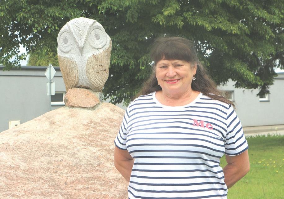 Nuo 1976 metų Pelėdnagiuose gyvenanti Ona Kerulienė, į gyvenvietę atsikrausčiusi iš Babėnų, aktyvi ne tik bendruomenėje. Energijos nestokojanti moteris jau daugiau nei dvidešimt metų neabejinga maudynėms./Džestinos Borodinaitės nuotr.