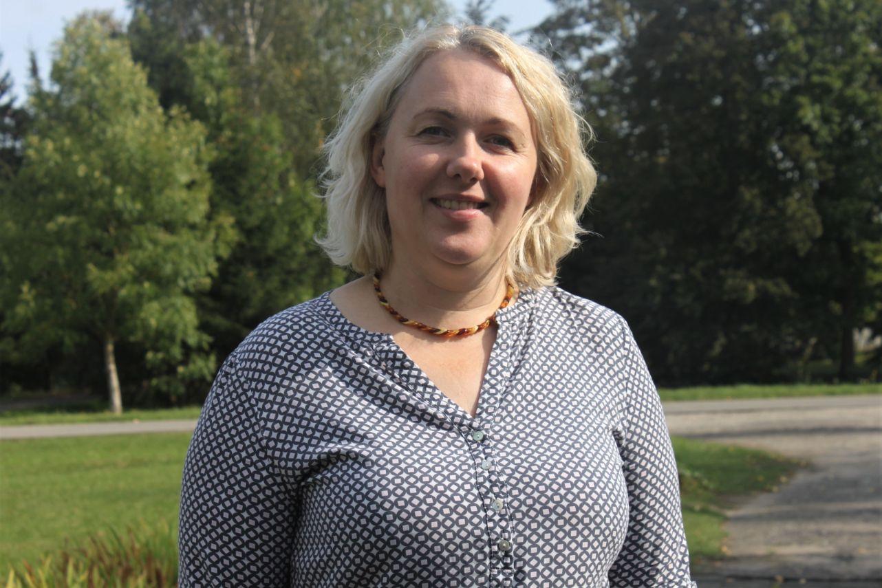 Rita Tamošaitienė Meironiškiuose gyvena daugiau nei dvidešimt metų. Į Meironiškius kultūros skyriaus vadovę atvijo meilė./Džestinos Borodinaitės nuotr.