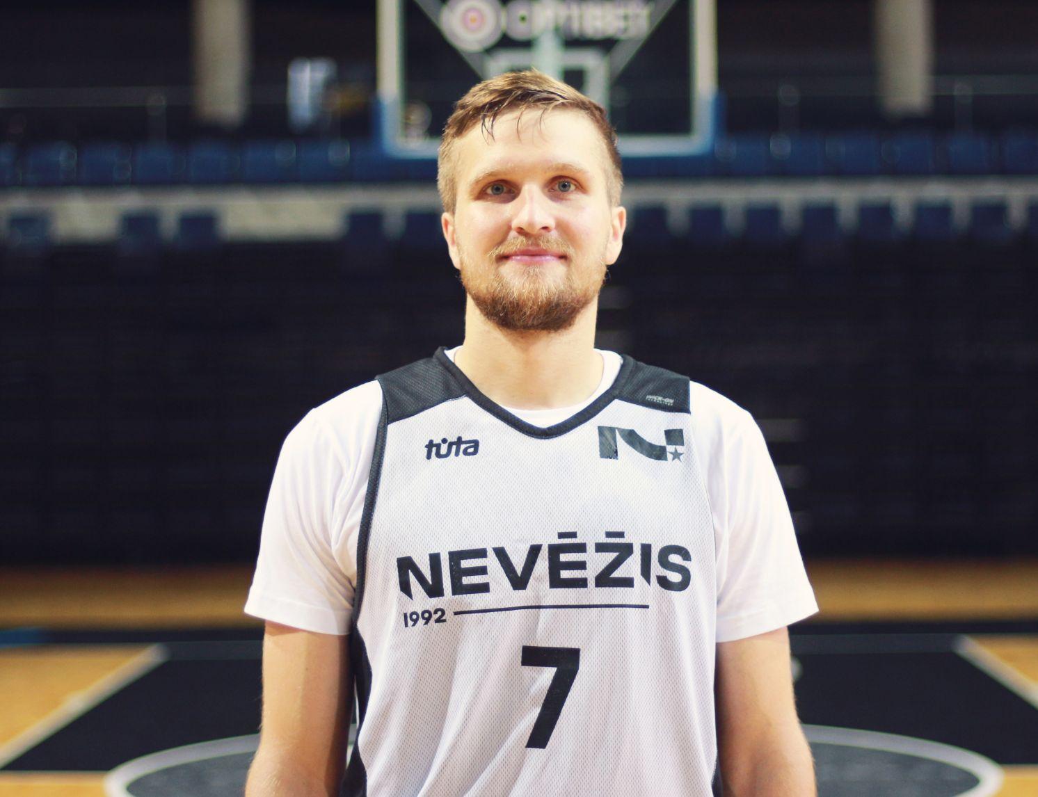 """Justas Tamulis – vienas didžiausią patirtį turinčių krepšininkų """"Nevėžis-Optibet"""" komandoje. Jis krašto klube su pertraukomis žaidžia jau trečią sezoną."""