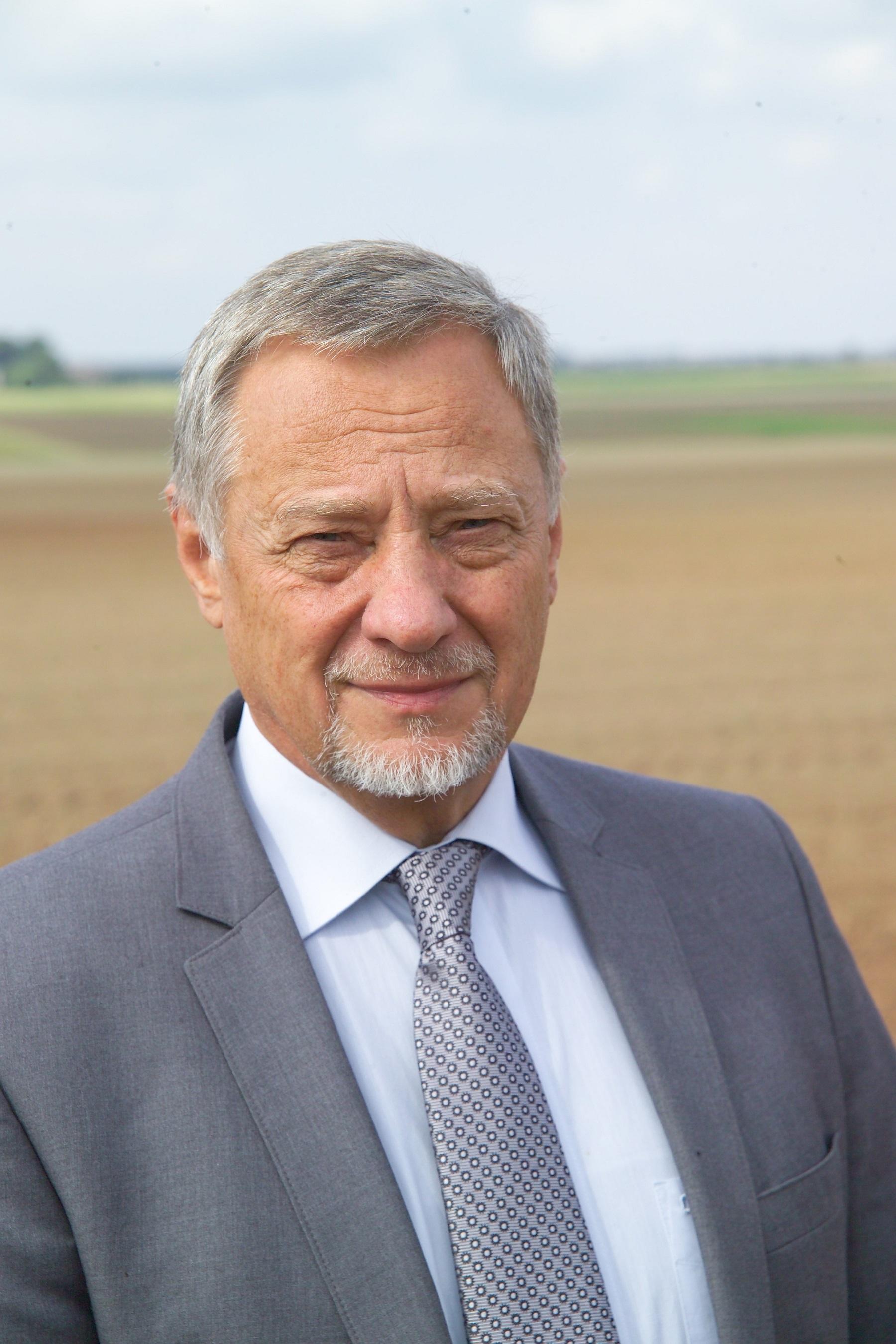Lietuvos agrarinių ir miškų mokslų centro (LAMMC) Žemdirbystės instituto vyriausiasis mokslo darbuotojas doc. dr. Vytautas Ruzgas.