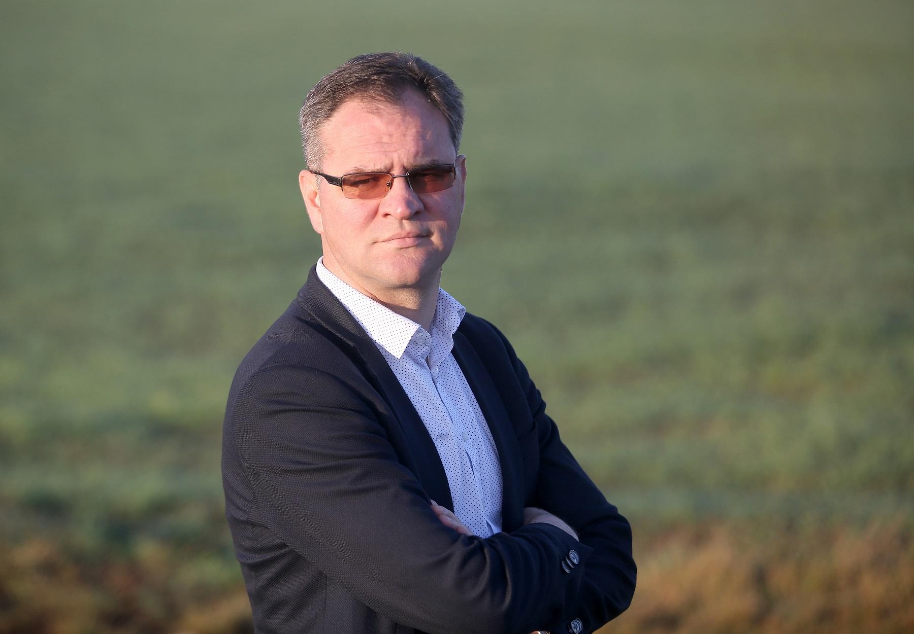 """Bendrovės """"Krekenava"""" direktorius Vaidas Lebedys: """"Diegdami naujas technologijas visada atsižvelgiame į jų poveikį gamtai. Džiugu, kad reguliuojamos drenažo sistemos ne tik nekenkia jai, bet ir sprendžia aplinkosaugines problemas."""""""