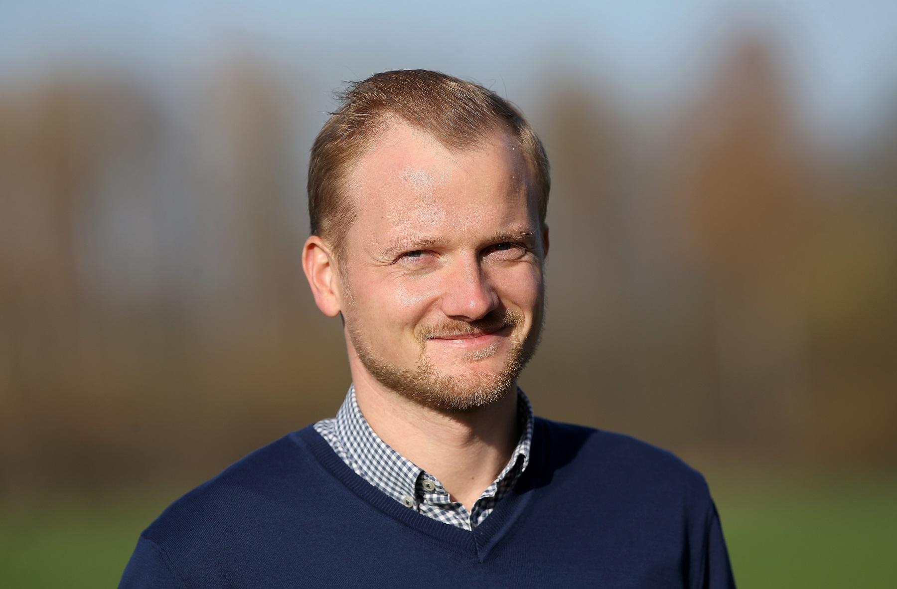 """Vienintelės Lietuvoje reguliuojamas drenažo sistemas kuriančios ir diegiančios bendrovės """"Ekodrena"""" vadovas Jonas Steikūnas pabrėžia, kad naujos kartos laukų drenažas duoda abipusę naudą – tiek žemdirbiams, tiek gamtai."""