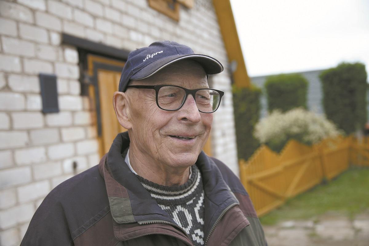 Pasirodo, senjoras Vaclovas yra gimęs ir augęs Juciūnuose. Tikras šio kaimo senbuvis!