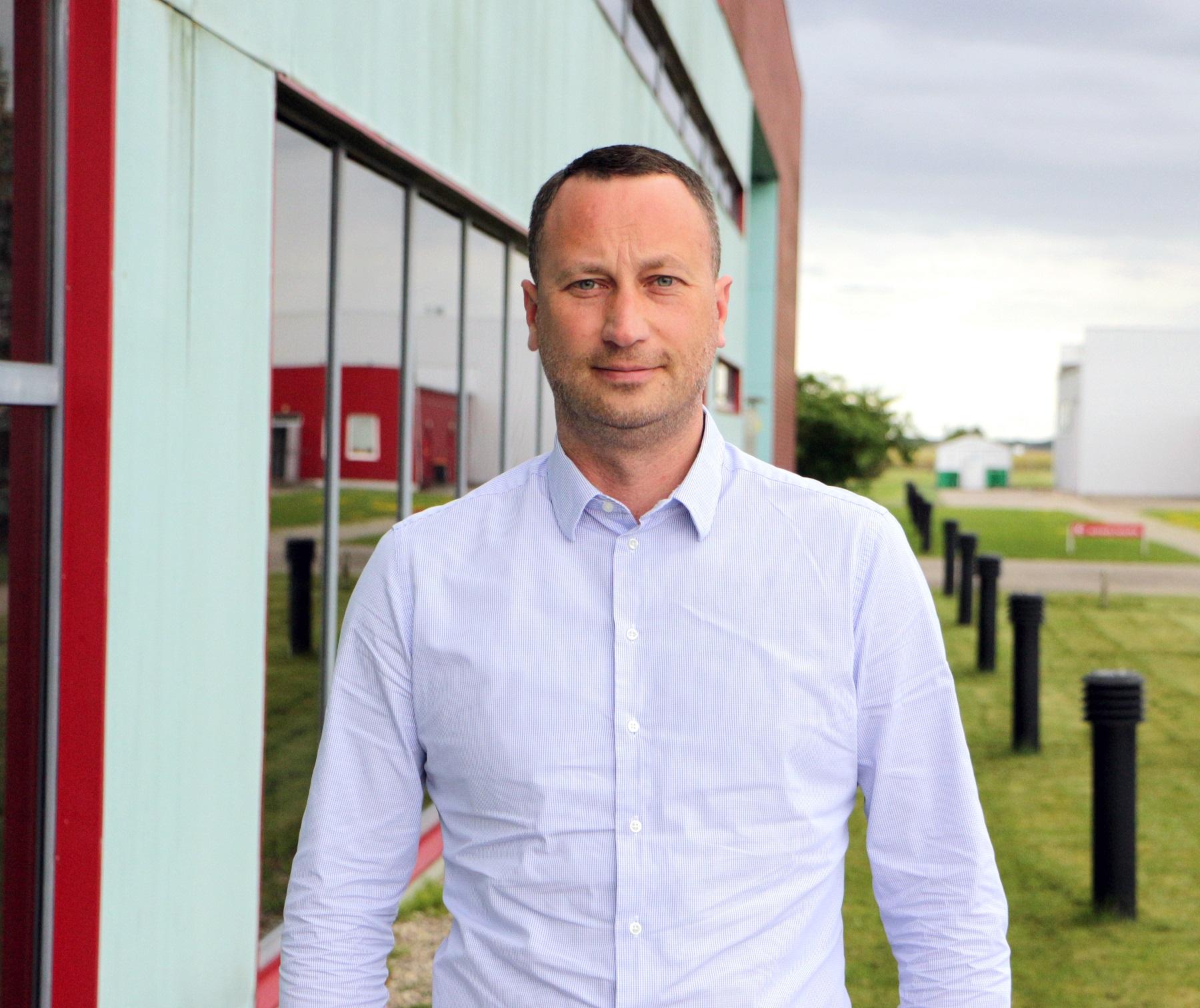 UAB Kėdainių konservų fabriko generalinis direktorius Andrius Viazovskis skaičiuoja, kad šiemet įmonė perdirbs daugiau kaip 1 200 tonų agurkų.