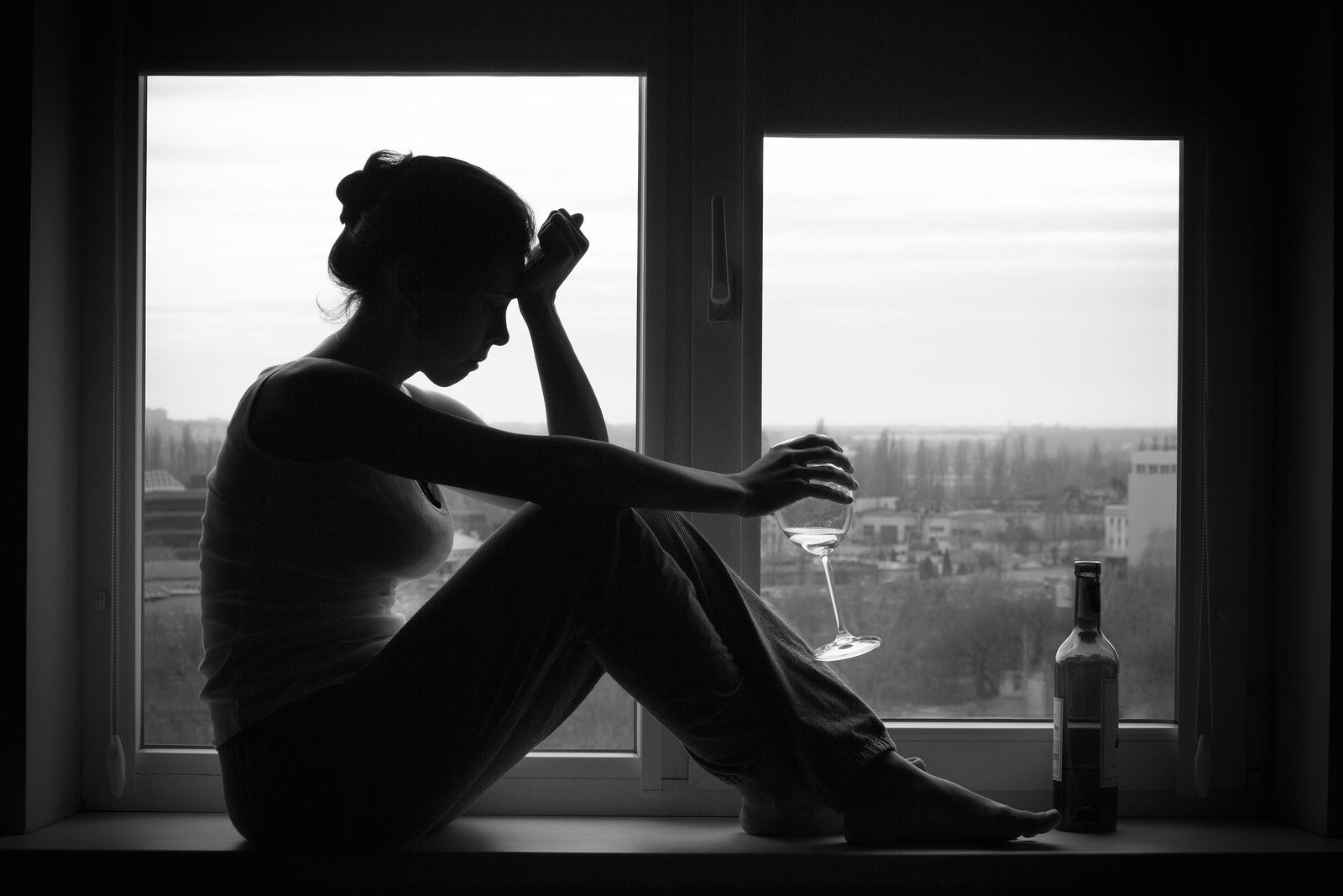 Pašnekovės tėvai patys turėjo psichologinių problemų. Mama anksti liko našlaite, o tėtis buvo bohemiškas, mėgdavęs išgerti. Tą patį negerą įprotį perėmė ir pati Milda, vildamasi, kad alkoholis padės išspręsti visas problemas.