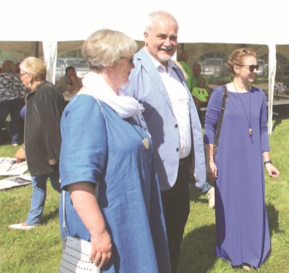 Sąskrydyje, kaip ir kasmet, apsilankė Seimo narys Darius Kaminskas su žmona Aušrele.