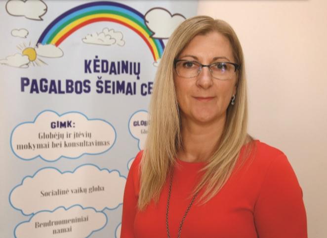 """Kėdainių pagalbos šeimai centro direktorė Sandra Sagatienė: """"Globos centro specialistai intensyviai konsultuoja globėjus, budinčius globotojus, šeimynų dalyvius ir be tėvų globos likusius vaikus, kad užtikrintų teigiamą psichologinį mikroklimatą ir emocinį stabilumą."""" Algimanto Barzdžiaus/ """"Rinkos aikštės"""" archyvo nuotr."""