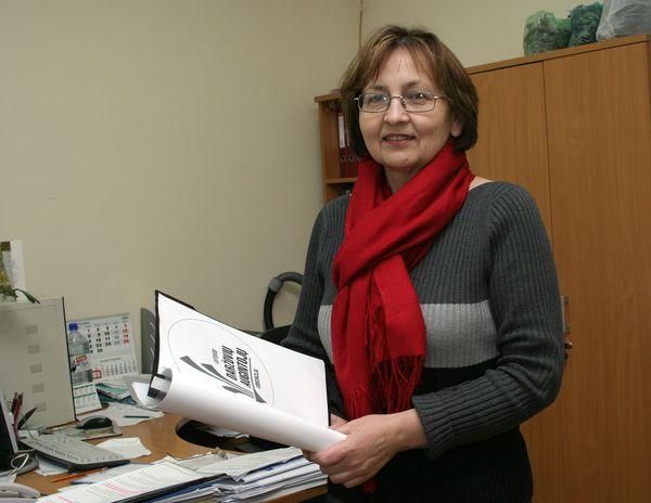 Lietuvos daržovių augintojų asociacijos direktorė Zofija Cironkienė pasakoja, kad labiausiai nukentėjo tie ūkininkai, kurie turėjo sudarę sutartis su kavinėmis, restoranais.