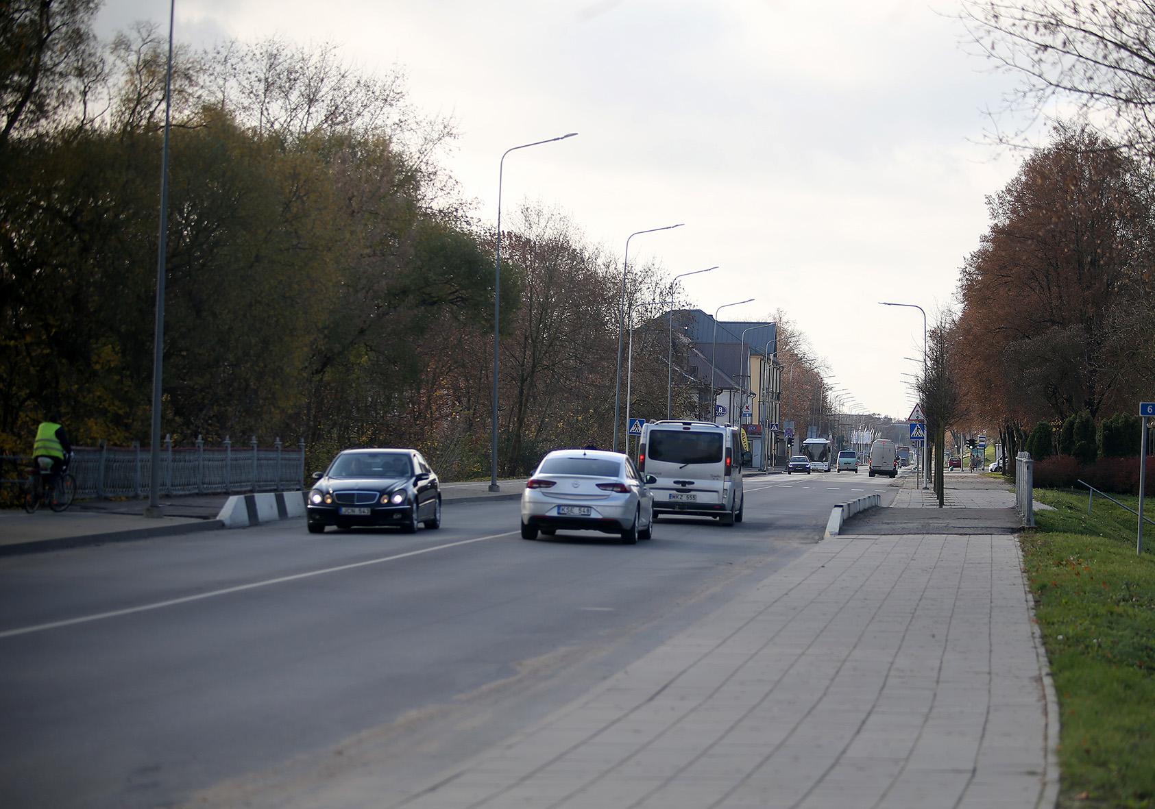 Kėdainių J. Basanavičiaus gatvė su visais trimis tiltais greičiausiai bus sutvarkyta nepanaudojant savivaldybės pinigų.
