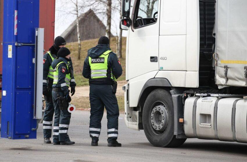 Ties Truskava policija krečia automobilius net su rentgenu