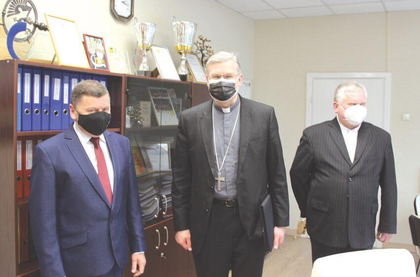Savivaldybėje lankėsi arkivyskupas metropolitas Kęstutis Kėvalas