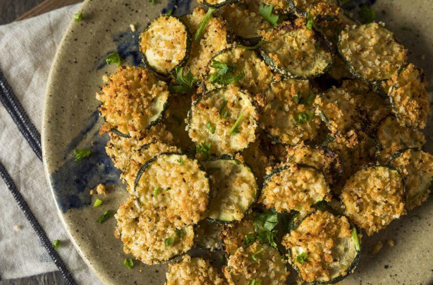Daržovės – ne vien salotoms: išbandykite cukinijų traškučių receptą