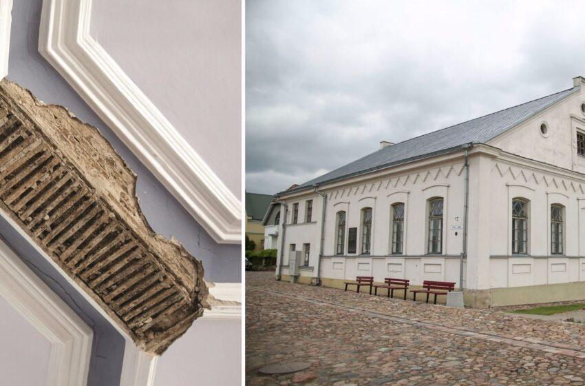 Dėl pavojingos Daugiakultūrio centro pastato būklės keičiasi čia turėjusių įvykti renginių vieta