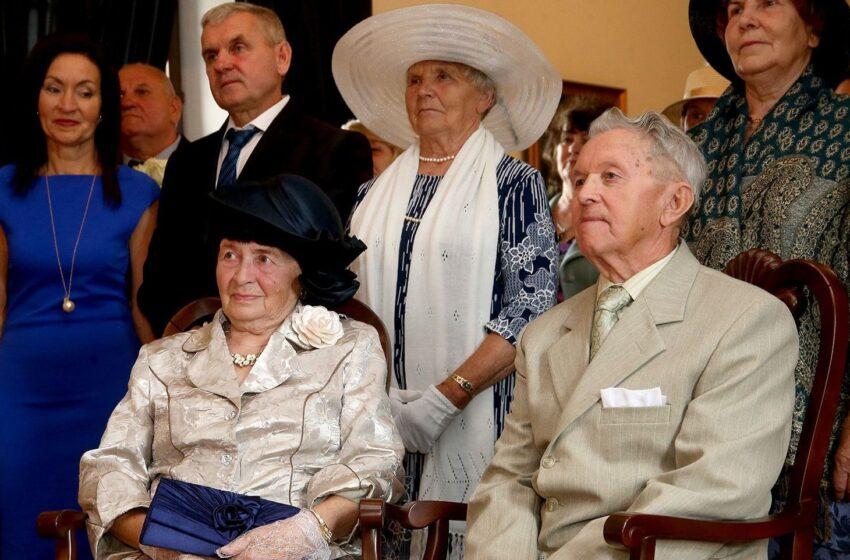 60 metų kartu: kėdainiečių Kišonų šeima šventė Deimantinių vestuvių sukaktį (GALERIJA)