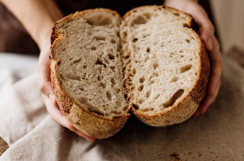 Vis dažniau sugrįžtame prie natūralaus raugo duonos ruošimo