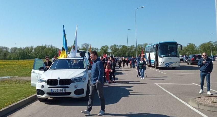 """Startavo """"Didysis Šeimų gynimo maršas"""": dalyviai iš Kėdainių išvyko į Vilnių (fotogalerija)"""