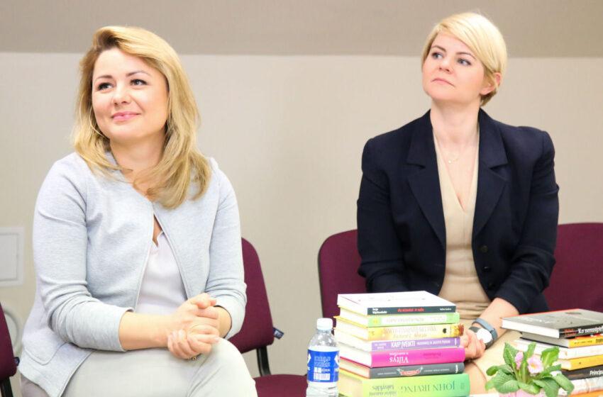 Bibliotekos globėjos – žymios seserys