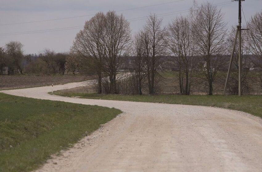 Koks likimas laukia  kaimo vieškelių?