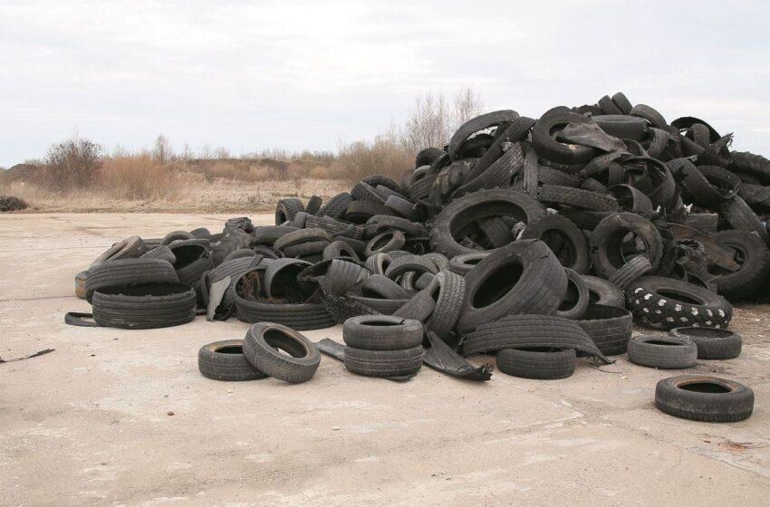 Ekspertai padangų atliekas siūlo naudoti keliams ir takams tiesti