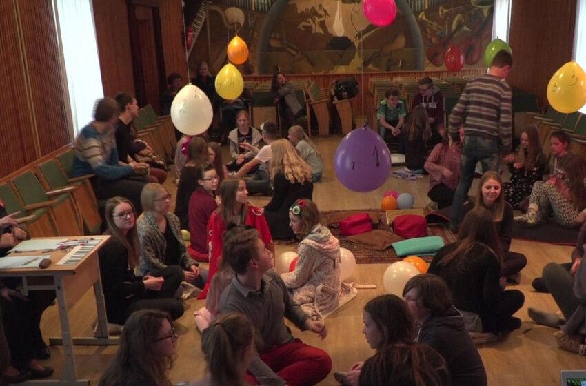 40 vaikų nakvos muzikos mokykloje