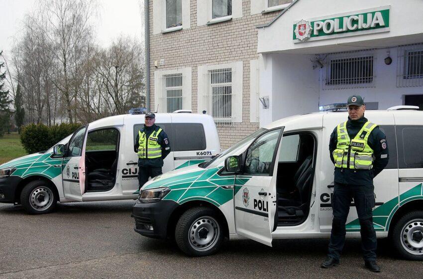 """Į Kėdainių gatves išriedėjo nauji """"VW Caddy"""" policijos automobiliai (FOTO, VIDEO)"""