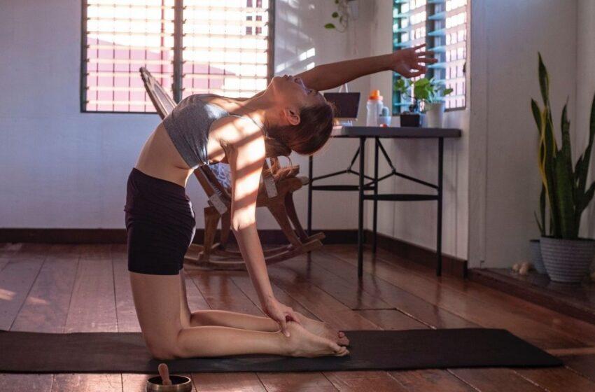 Asmeninės trenerės patarimai, kaip tinkamai išnaudoti namų erdvę sportui ir sustiprinti kūną