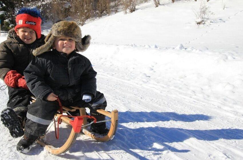 Kaip žiemos žaidimuose išvengti  vaikų tykančių pavojų