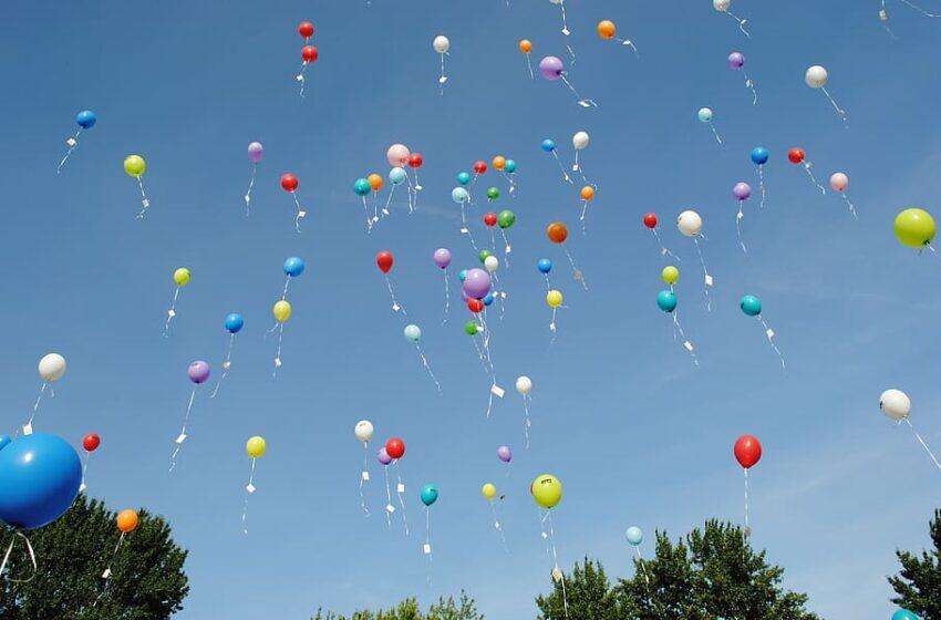 Visi į dangų paleisti helio balionai nusileidžia ir tampa šiukšlėmis