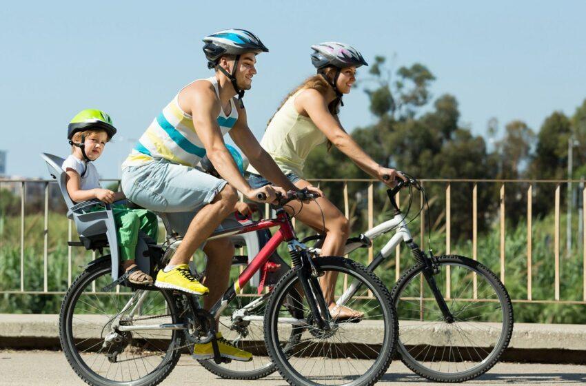 Beveik kas antras dviratininkas – be šalmo