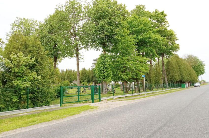 Krakių seniūnijoje nauja tvora aptvertos dar dvejos kapinės
