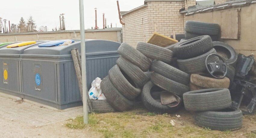 Prie buitinių atliekų konteinerių padangoms ne vieta