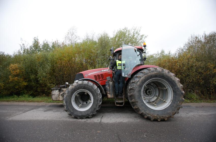 Iš traktorių pavogtas ne tik dyzelinis kuras