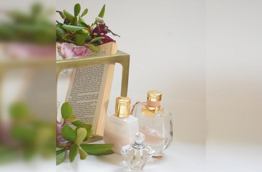 Įvairių aromatų kvepalai moterims