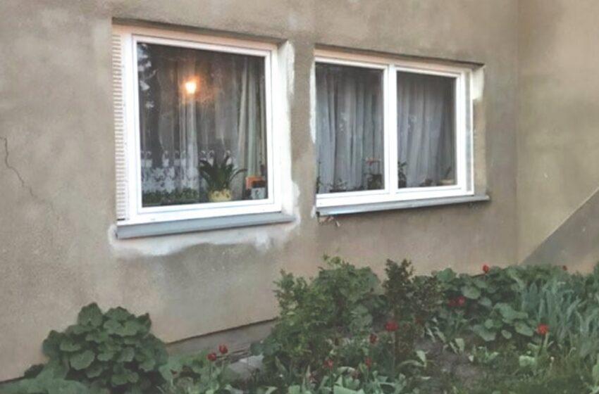 Anūkas butą parduoda su jame gyvenančia močiute