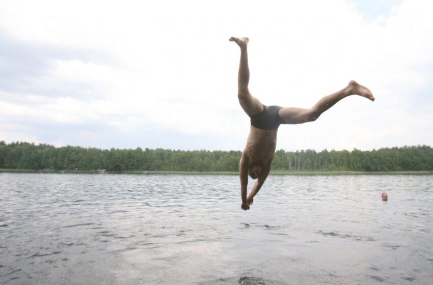 Dvariškių karjere maudytis nerekomenduojama
