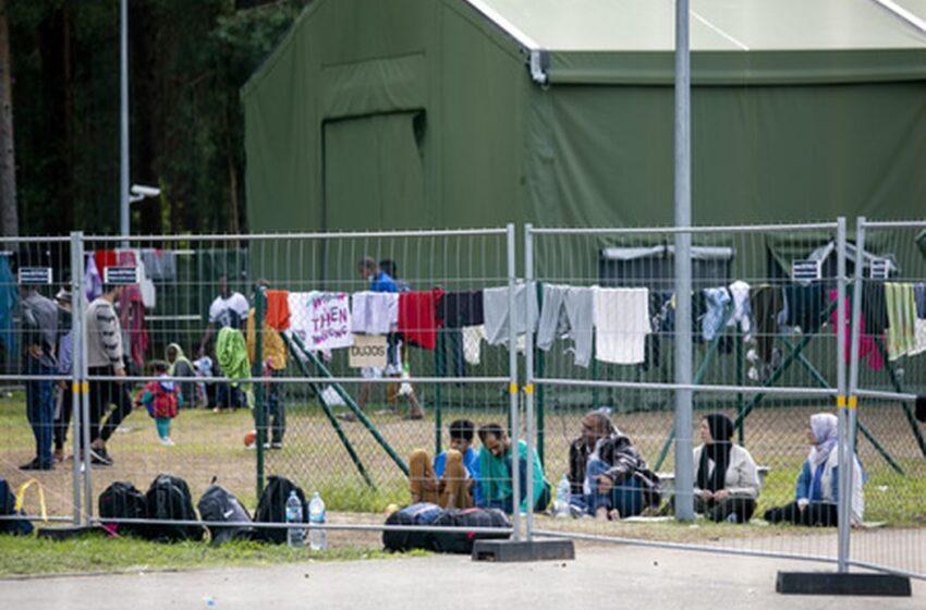 Nelegaliems migrantams, savanoriškai sutinkantiems grįžti į gimtinę, mokės po 300 Eur