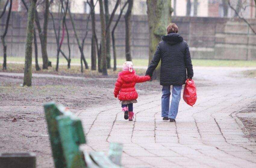 Skyrybų nuoskaudas tėvai užkrauna vaikams