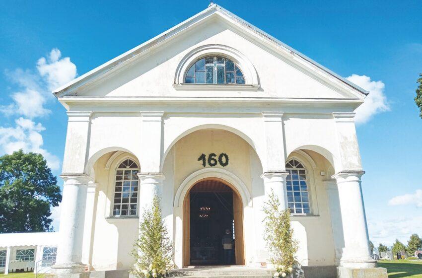 Šlapaberžei – 650, Nukryžiuotojo Jėzaus bažnyčiai – 160